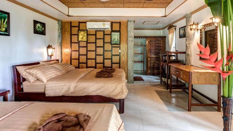 bungalows with ac in koh phayam