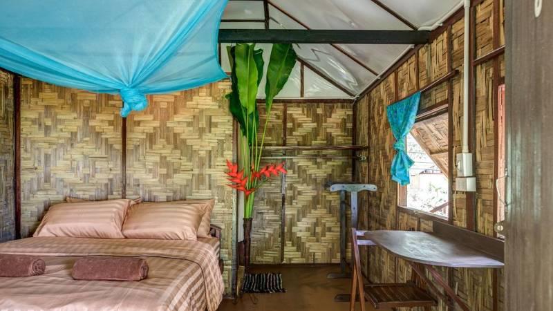 seav view bungalows koh phayam